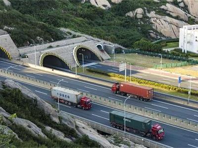 高速公路违规运输行为层出不穷?科技治超带你